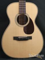 Collings 02H Sitka/Rosewood Addy-Braced Acoustic Guitar