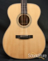 Eastman E6OME-LTD Limited Edition Sitka/Mahogany Acoustic