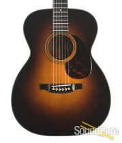 Bourgeois Custom Sunburst OO Country Boy Acoustic Guitar