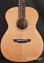 Goodall Pacific Cedar/Maple Grand Concert Acoustic Guitar