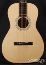 Eastman E10P Adirondack/Mahogany Acoustic Parlor Guitar 8608