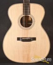 Eastman E8OM Sitka/Rosewood Acoustic Guitar #5504
