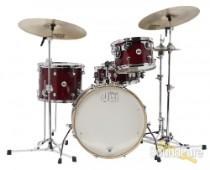 DW 4pc Design Series Frequent Flyer Drum Set Cherry Stain