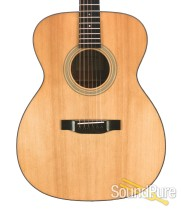 Eastman E6OM Spruce/Mahogany Acoustic #10855603