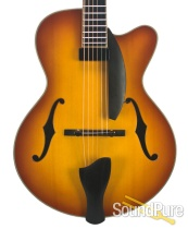 Eastman AR903CE-15 Custom Spruce/Maple Archtop #117004