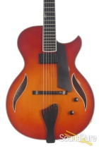 Benedetto Bambino Deluxe Autumn Burst Archtop #52306 - Used
