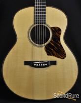 Bourgeois Signature Small Jumbo Acoustic Guitar-Used